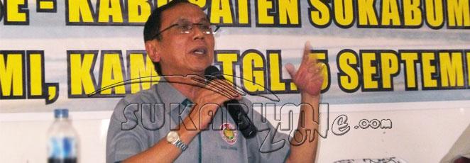 Wakil Ketua PGRI Provinsi Jabar Endang Djakatela