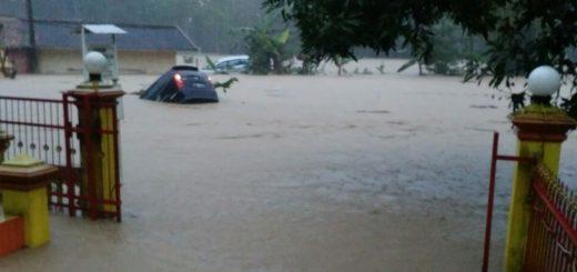 banjir-bandang-cidolog